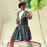 Will Smith erfreut seine Instagram-Fans mit einem Throwback-Video aus dem letzten Jahr. Im St.-Patrick's-Day-Kostüm gibter darin ein heißes Tänzchen zum Besten.