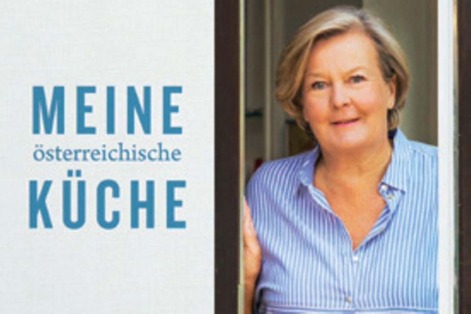 """Spitzenköchin und Gastronomin Lisl Wagner-Bacher, die Grande Dame der österreichischen Küche, verrät die Rezepte ihres Lebens. Dazu gibt sie Tipps, wie aus jedem Gericht ein Festmahl wird. (""""Meine österreichische Küche"""", Brandstätter Verlag, 272 S., 35 Euro)"""