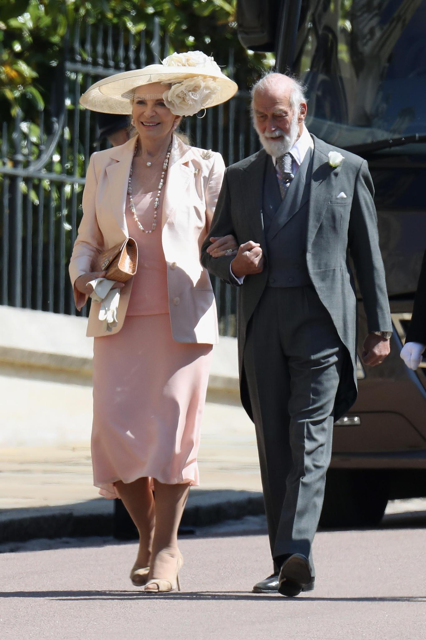 Das Prinzenpaar von Kent:Dass sie in der Presse mit Marie Antoinette verglichen wurde, stört Prinzessin Michael von Kent wenig. Ihren Namen hat sie nach alter Tradition von ihrem Mann Prinz Michael, 76, einem Cousin der Queen, übernommen. Das Paar bewohnt eine große Zimmerflucht gegenübervon Meghan und Harry.