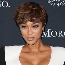 Kurze Haare stylen: Tyra Banks zeigt, wie es geht