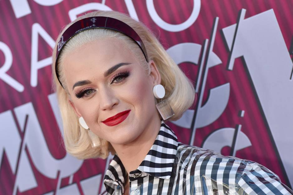 Katy Perry mit Blondierung