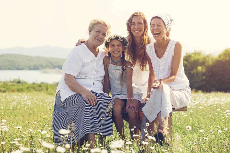 Glücklich, glücklicher, am glücklichsten sind die Menschen HIER