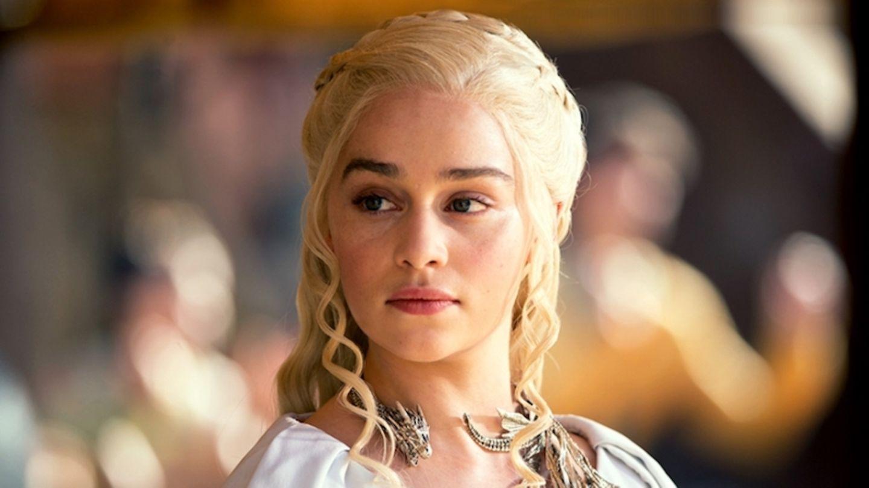 GoT: Emilia Clarke spricht über Nacktszenen und Frauen an