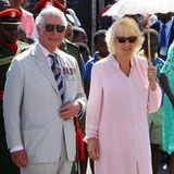 Prinz Charles und Herzogin Camilla müssen ihre Augen vor der Sonne schützen.