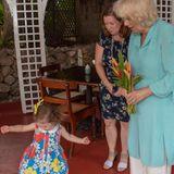 Wie süß: Die dreijährige Ava Lupinacci tanzt für Herzogin Camilla beim Besuch des Hermitage Plantation House.