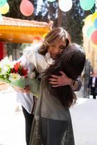 20. März 2019  Königin Rania wird innig von einem Waisenmädchen umarmt.