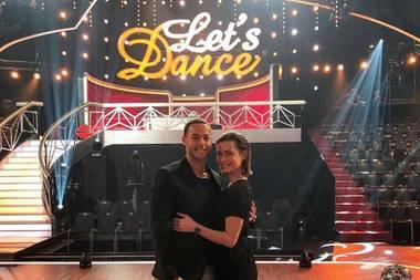"""22. März 2019  Beim Besuch der """"Let's Dance""""-Show in Köln mussten Andrej und Jennifer sich bei der ansteckend tollen Stimmung zusammenreißen, nicht gleich selbst das Tanzparkett zu stürmen. Das hätten wir aber gerne gesehen!"""