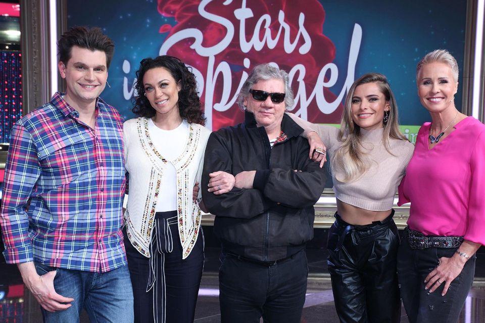 """""""Stars im Spiegel"""" (v.l.n.r.): Lutz van der Horst, Lilly Becker, Claude-Oliver Rudolph, Sophia Thomalla, Sonja Zietlow"""
