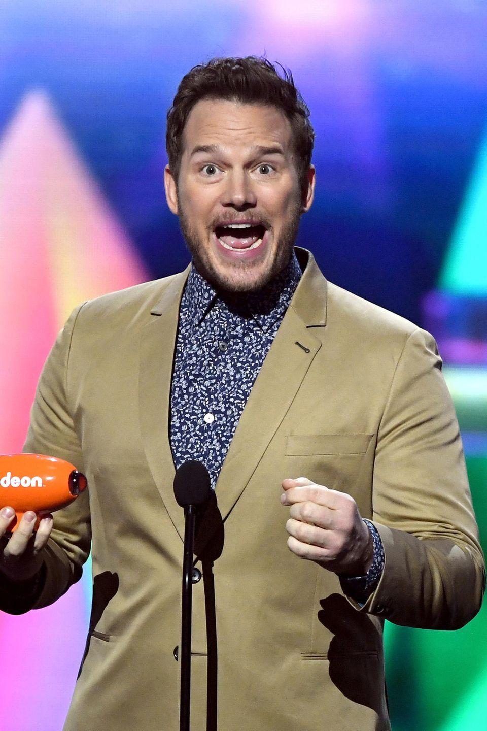 """23. März 2019  Hier freut sich Chris Pratt noch, mit dem Kids Choice Award als """"Beliebtester Arschtreter"""" ausgezeichnet worden zu sein. Gleich tut er das nicht mehr..."""