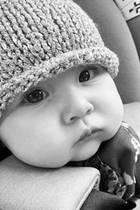 Kate Hudson erfreut uns auf Instagramimmer wieder mit Bildern ihrer bezaubernden Tochter Rani, und die Kleine ist wirklich eine süße Knuddelbacke.