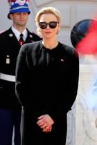 Fürstin Farblos: CharlènesHang zu schwarzen Outfits wird immer ausgeprägter, manchmal trägt sie noch Grau oder Weiß, farbenfrohe Looks sind bei ihr allerdings mittlerweile eine echte Seltenheit.