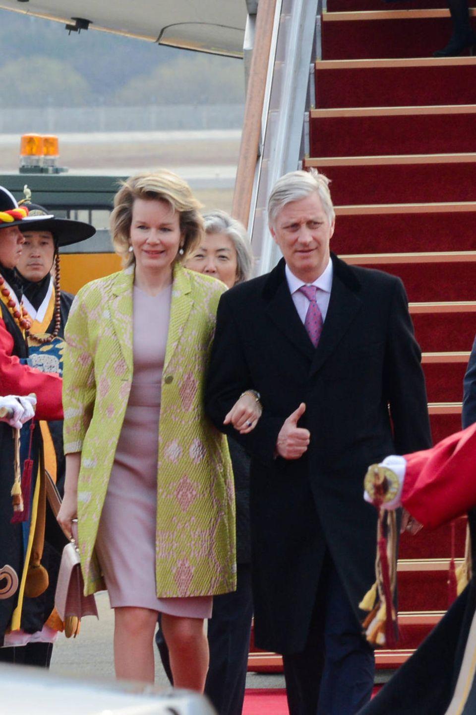 25. März 2019  Die belgischen Royals sind in Seoul am Flughafen gelandet. Dort werden Königin Mathilde und König Philippe, die Südkorea bis zum 28. März besuchen, feierlich in Empfang genommen.