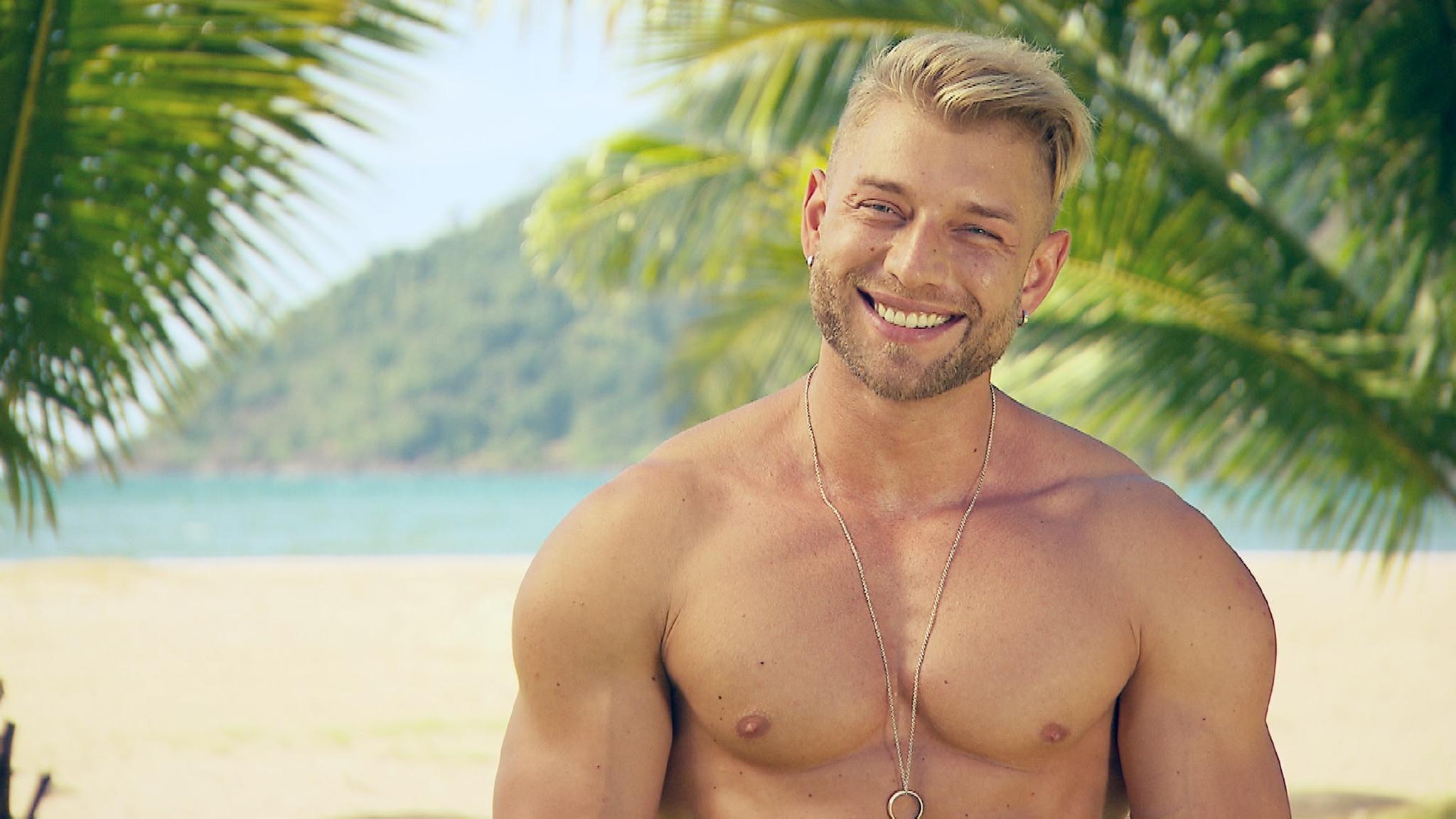 """""""Temptation Island""""-Überraschung: Der Verführer Alex stößt nachträglich in die Mädelsvilla dazu"""