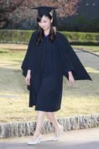 22. März 2019  Prinzessin Kako feiert heute ihre Abschlussfeier an der Christian University.