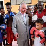 """Die Jungs im """"Rafael Trejo Boxing Gym"""" freuen sich über den royalen Besuch."""