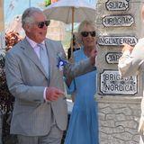 """Charles und Camilla statten dem """"Muraleando Community Centre"""" einen Besuch ab."""