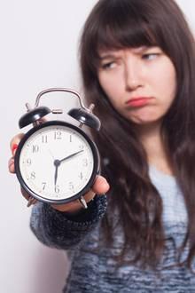 Die Zeitumstellung führt bei vielen Leuten zu Frust und Müdigkeit