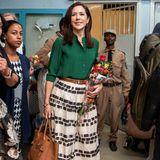 Prinzessin Mary reist im März 2019 im Dienste der Krone nach Äthiopien und wähltfür ihrBusiness-Meeting ein luftiges und dennoch elegantesOutfit ...