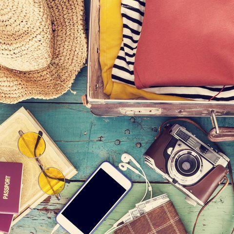 Packliste Sommerurlaub, Koffer packen, Strandurlaub, Reiseutensilien