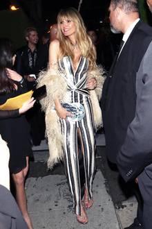 Nicht nur dasDekolleté von Heidis Party-Look ist ein absoluter Hingucker ...