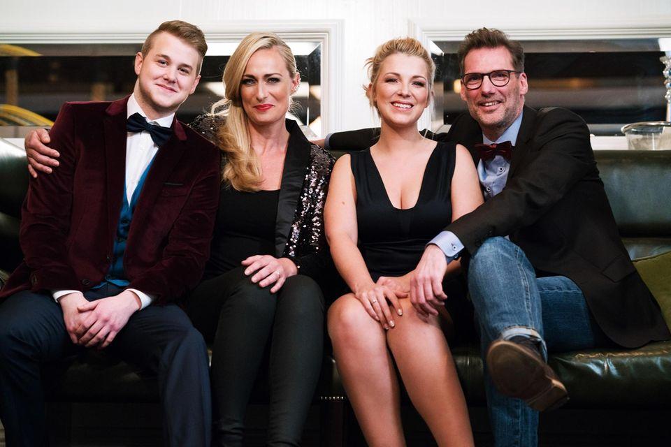 Iris Mareike Steen mit ihrer GZSZ-FamilieFelix van Deventer, Eva Mona Rodekirchen und Clemens Löhr
