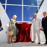 """Auf den Kaimaninseln weihen Herzogin Camilla und Prinz Charles den neuen Flughafen """"Owen Roberts International Airport"""" ein."""