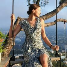 Im März 2019 schmeißt H&M seine bisher größte Conscious-Party in Los Angeles. Viele Stars feiern mit dem Modeunternehmen die neue Kollektion. Supermodel Irina Shayk ist direkt in eines der Kleider geschlüpft und zeigt, wie schön recyceltes Polyester sein kann.