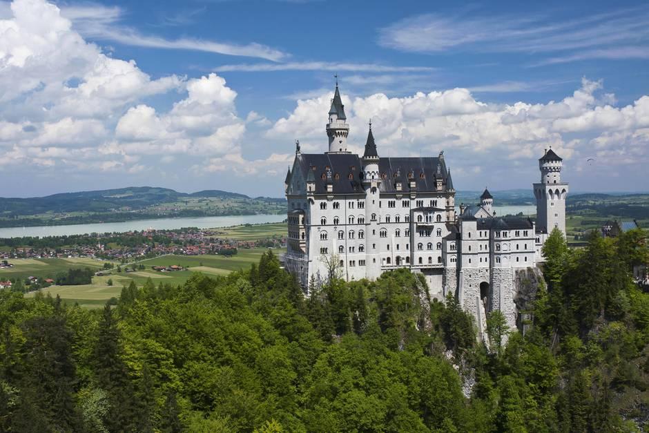 In Neuschwanstein öffnet Ein Neues Königshaus Seine Pforten