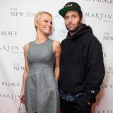 """Pamela Anderson + Rick Salomon: 2 Monate  2008 heiratet """"Baywatch""""-Schauspielerin Pamela Anderson in Las Vegas Rick Salomon, den Ex-Mann von Shannen Doherty.Die Ehe zu dem Pokerspieler hält nur zwei Monate."""