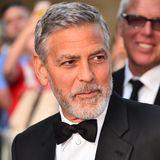Bis vor einigen Jahren gilt George Clooney noch als der ewige Junggeselle. Dabei müssen viele wohl vergessen haben, dass er doch schon einmal verheiratet war, bevor er schließlich Amal heiratete.