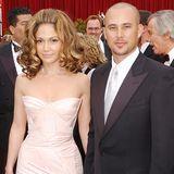 Immerhin zwei Jahre hält es Jennifer Lopez in ihrer nächsten Ehe aus. Von 2001 bis 2002 ist sie mit ihrem Tänzer Cris Judd verheiratet.