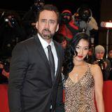 Die zweite Ehe ist gerade in die Brüche gegangen, da baut sich Nicolas Cage schon seine nächste auf. Er nimmt in 2004 Alicia Kim zu seiner Frau. Aller guten Dinge sind drei? Leider nein. Die Scheidung folgt zwölf Jahre später.
