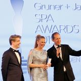 Frank Vogel (G+J), Moderatorin Barbara Schöneberger und Stephan Schäfer (G+J) heißen die Gäste bei den23.SPAAWARDS herzlich willkommen.