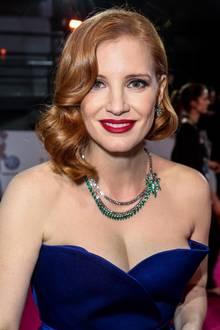 Hollywood in Berlin: Jessica Chastain erleuchtet den Abend nicht nur mit ihrer Anwesenheit, sondern auch mit ihrer funkelden Smaragdkette.