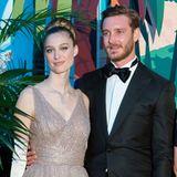 Beatrice Borromeo strahlt in einer Robe von Dior auf dem Rosenball. Da können die Augen von Ehemann Pierre Casiraghi ja nur funkeln ...