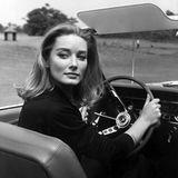"""30. März 2019: Tania Mallet (77 Jahre)  Im Alter von 77 Jahren verstarb das britische Bondgirl Tania Mallet. Den großen Durchbruch schaffte sie mit 23 Jahren in der Rolle des Bondgirls Tilly Mastersons in dem 007-Film """"Goldfinger""""."""