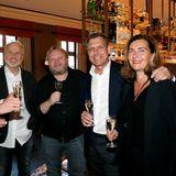 """Gruner + Jahr Spa Awards: Vorempfang zum Cocktail Prolongé in dem neuen Hotspot von Baden-Baden """"Fritz & Felix""""-Bar im Brenners Park-Hotel & Spa. Björn Strumann (Coty), Markus Wahl (Longchamp), Heiko Hager (G+J), Markus und Cornelia Grefer (PUIG Deutschland)."""