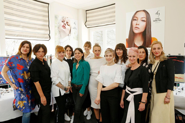 Gruner + Jahr Spa Awards: In der Styling-Lounge kümmert sich das Team rund um Stephanie Dettmann und Christina Roth von UND GRETEL um das perfekte Red-Carpet-Make-up.