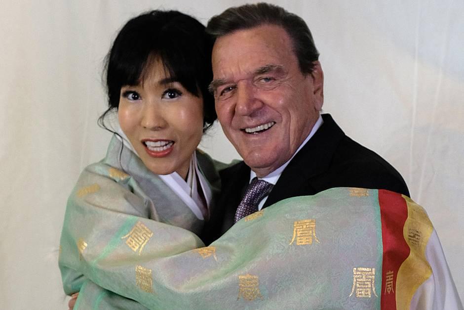 Gerhard Schröder und Ehefrau Soyeon