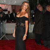 Melania Trump hat ihre Brüste vergrößern lassen. Und das will sie auch zeigen. Tief ausgeschnittene Kleider gehören bei ihr in 2009 zu ihren Lieblingen.