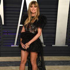 Heute liebt Heidi Klum es, sich modisch auszuprobieren. Schlichte Kleider waren gestern - oder eben 2009. Nun überrascht sie immer wieder mit extravaganten Looks.