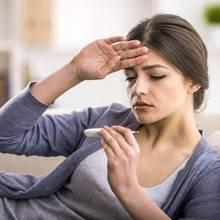 Schon einfache Hausmittel können oft gegen Fieber helfen.