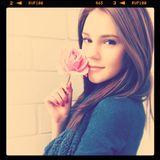 Stefanie Giesinger  Mit brünetten Haaren und verschüchterndem Blick trat die damals 15-Jährige am 20. September 2011 auf Instagram bei.