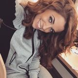 Vanessa Mai  Am 16. Februar 2015 begrüßtSchlagersängerin Vanessa Mai mit diesem süßen Posting ihre Follower auf Instagram.