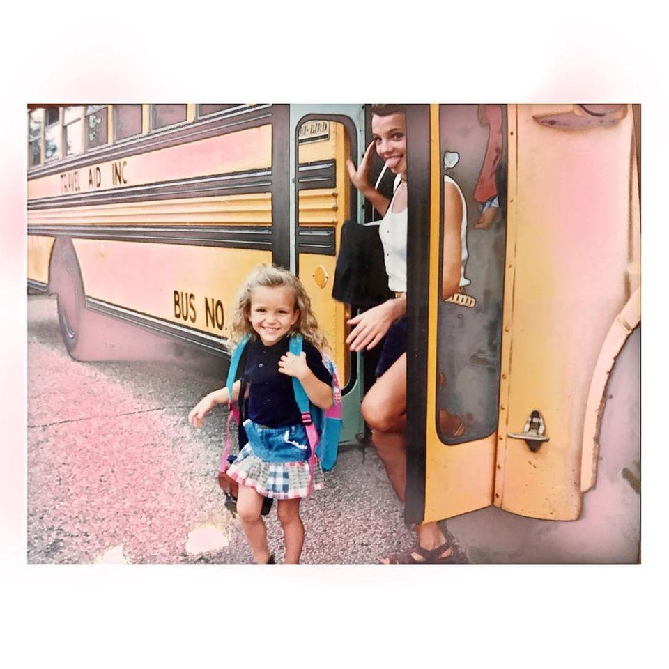 4. April 2019  Dieser Fundus aus dem Familien-Fotoalbum von Jamie Lynn Spears und ihrer Schwester Britneybegeistert gerade die Fans auf Instagram. Auch wir finden den Schnappschuss von den beiden Schwestern mehr als niedlich.