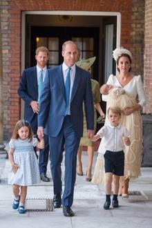 Die Kinder von Prinz William und Herzogin Catherine  Prinzessin Charlotte undPrinz George freuen sich sicher schon darauf, ihrezukünftigeCousine oder ihrenCousin an die Hand zu nehmen.Und der kleine Prinz Louis wird nur ein Jahr älter sein als das Baby von Prinz Harry und Herzogin Meghan - ein idealer Altersunterschied, um gemeinsam die Welt zu entdecken.