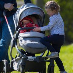 Lena und Mia Tindall  Prinz Harrys Cousine Zara Tindall und ihr Eheman Mike haben zwei süße Töchter, die mit Baby Sussex spielen können:Lena und Mia Tindall.
