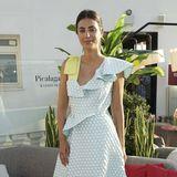Alessandra de Osma, Prinzessin von Hannover, ist in Sachen Stil kaum zu übertreffen. Hier überzeugt sie in einem Sommerkleid mit Volants und Wabenstruktur. Wow!