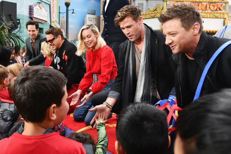 Das Tollste für die Kids ist aber sicherlich, ihren Superhelden Captain Marvel , Thor und Co. auch mal die Hand schütteln zu können.