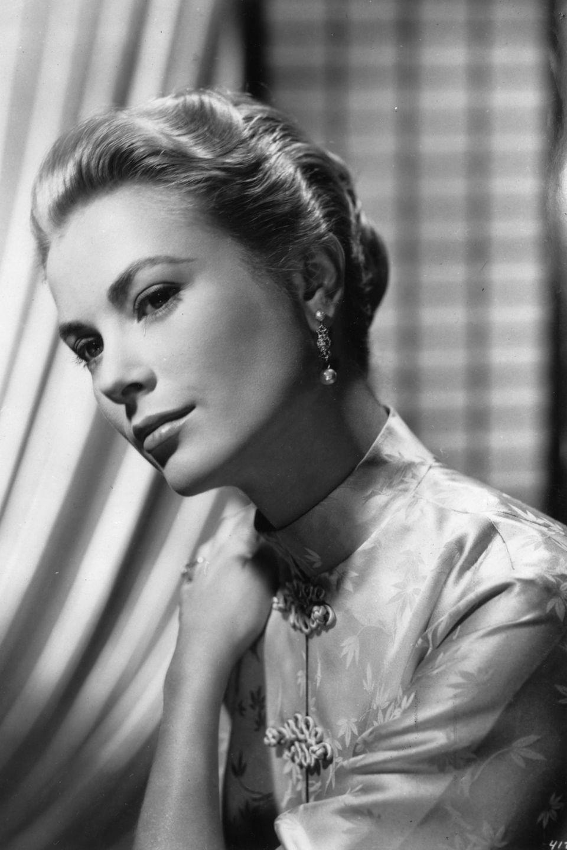 Pierre Casiraghi ist der Enkelsohn von Grace Kelly, die durch ihre Hochzeit mit Fürst Rainier III. von einer Hollywood-Schauspielerin zur Fürstin von Monaco wurde.